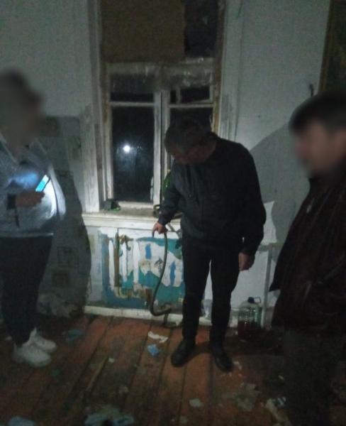 В Тверской области рецидивист вынес из чужой квартиры чугунные батареи