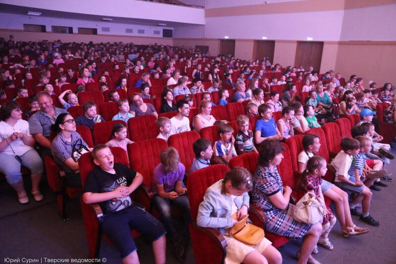 """ДК """"Пролетарка"""" подготовил для школьных лагерей творческую программу """"Планета лета"""""""