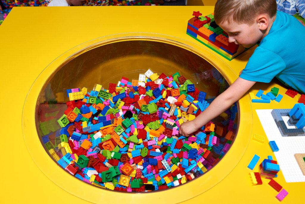 В Твери проходит интерактивная выставка экспонатов из LEGO