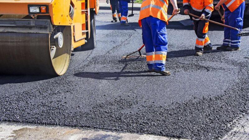 В 2021 году отремонтируют дороги к медучреждениям Тверской области
