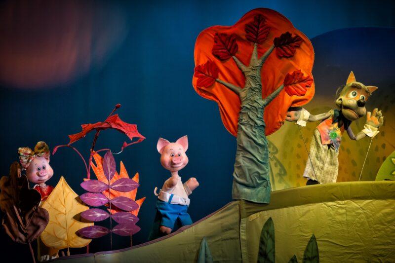 Тверской театр кукол покажет историю трёх поросят для самых маленьких