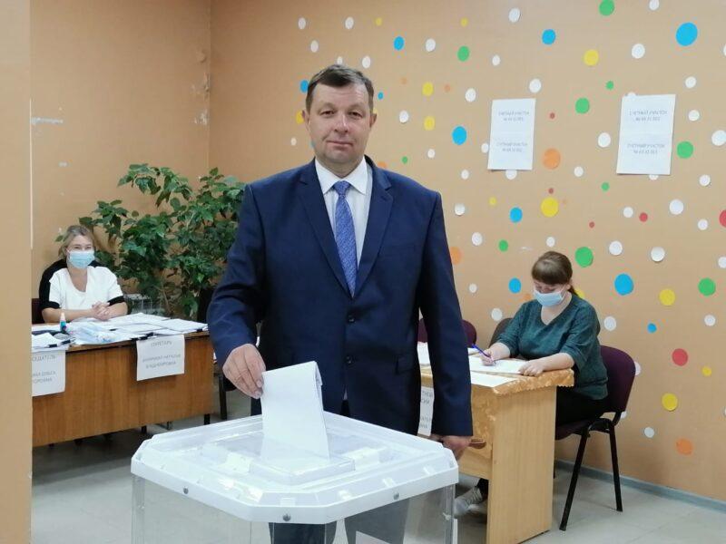 Глава Сонковского района Андрей Гусев принял участие в предварительном голосовании