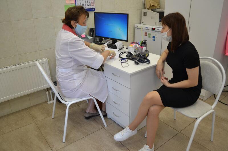 Сотрудники предприятий в Конаковском районе сделают прививку от коронавируса