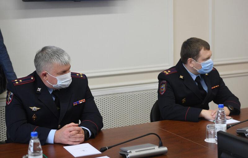 Игорь Руденя поздравил с профессиональным праздником и вручил награды сотрудникам подразделений по делам несовершеннолетних