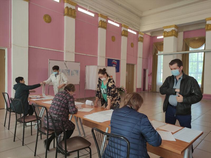 В Жарковском районе работают участки предварительного голосования