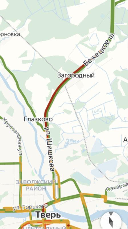 На Бежецком шоссе под Тверью образовалась гигантская пробка