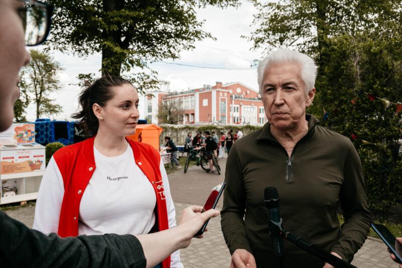 """В Твери прошел велопарад """"Навстречу лету"""""""
