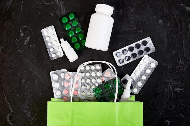 В тверском кафе у жителя Лихославля украли пакет с лекарствами