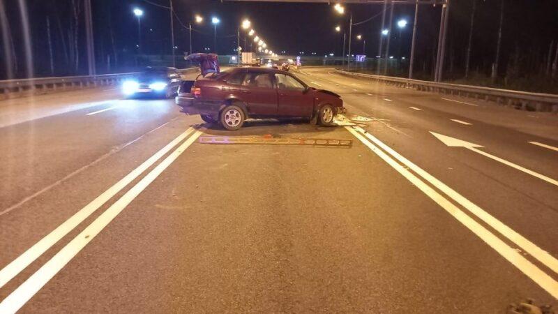 В Тверской области от столкновения с грузовиком умер водитель легковушки