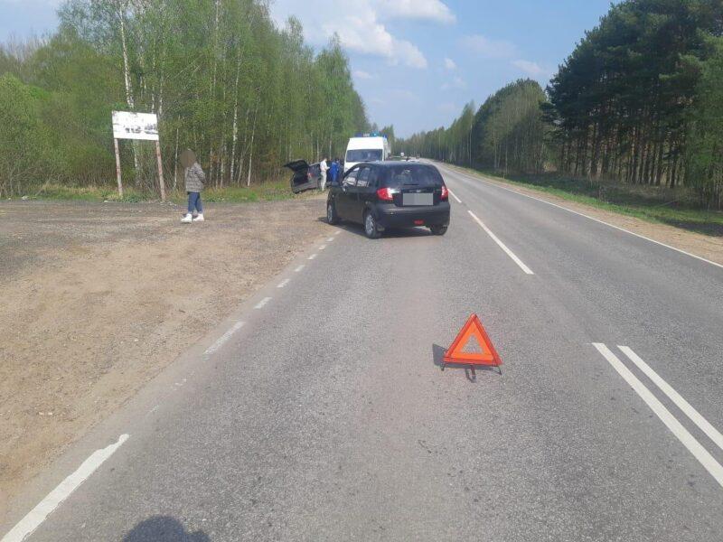 В Калининском районе водитель не выдержал дистанцию и отправил автомобиль в кювет