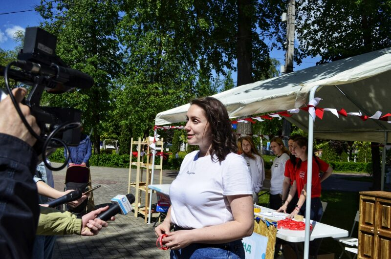 Площадь добра: волонтеры устроили фестиваль благотворительности в горсаду