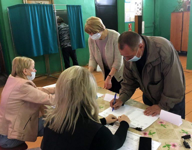 В Старицком районе работают участки предварительного голосования