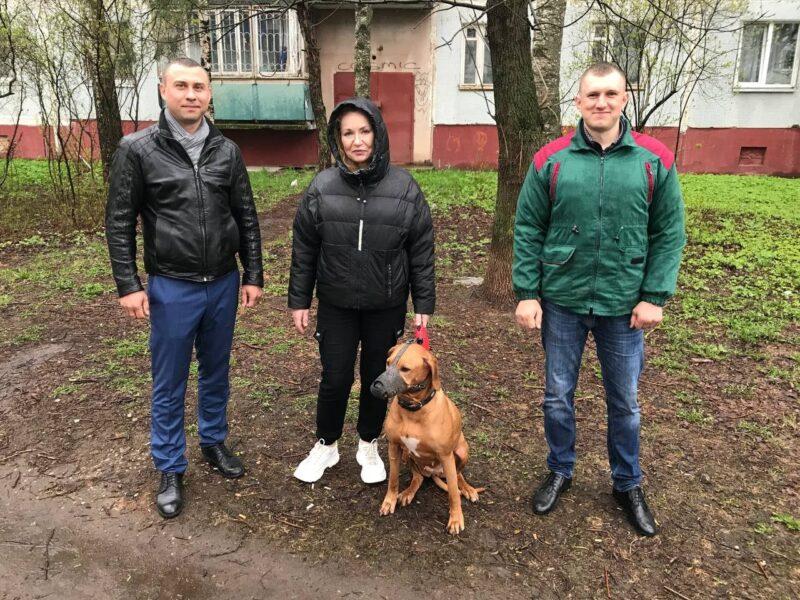 В Твери сотрудники БТИ спасли отравленную собаку