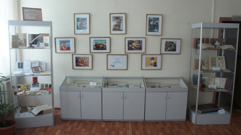 В Нелидово открыли новую выставку в библиотеке