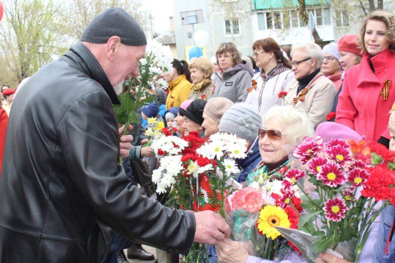 Трогательным митингом запомнился День Победы в Лихославле его жителям