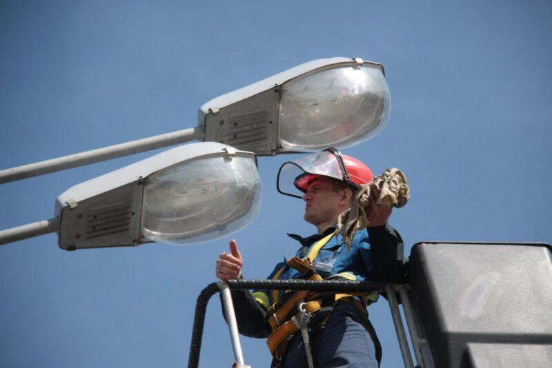 Филиал «Россети Центр Тверьэнерго» содействует улучшению качества уличного освещения муниципалитетов