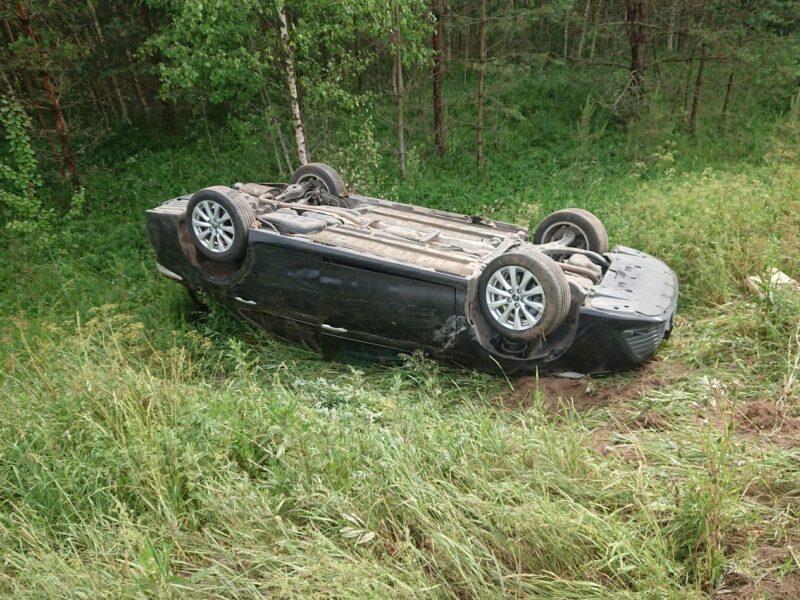 В Тверской области водитель не справился с управлением и вылетел в кювет