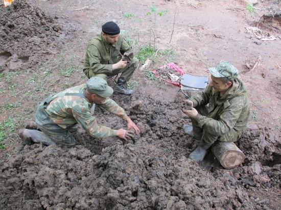 В Тверской области поисковики надеются выяснить личность погибшего летчика