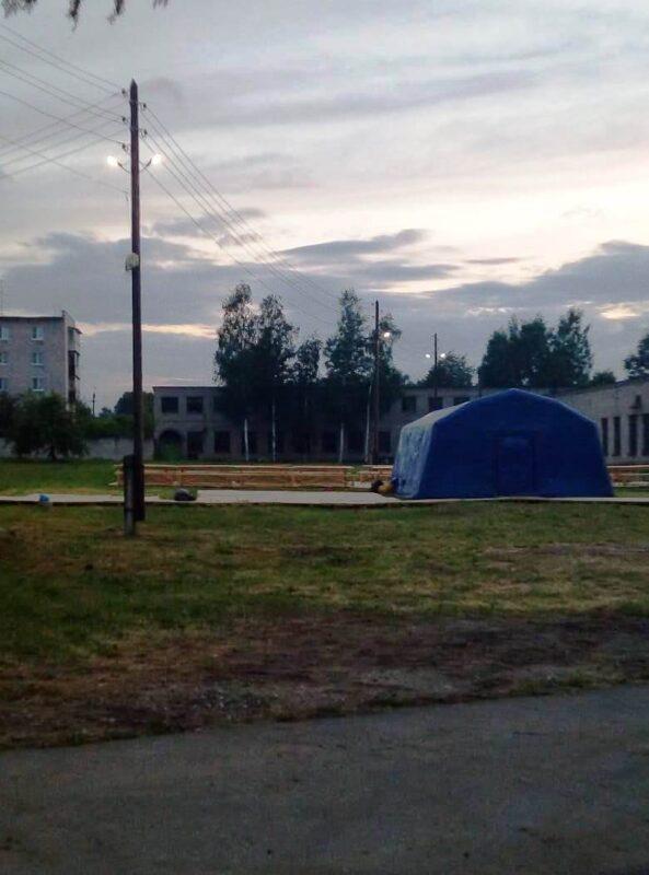 Филиал «Россети Центр Тверьэнерго» откликнулся на просьбу обеспечить освещение и резервное электроснабжениепалаточного лагеря во время проведения XXII Большого Волжского крестного хода