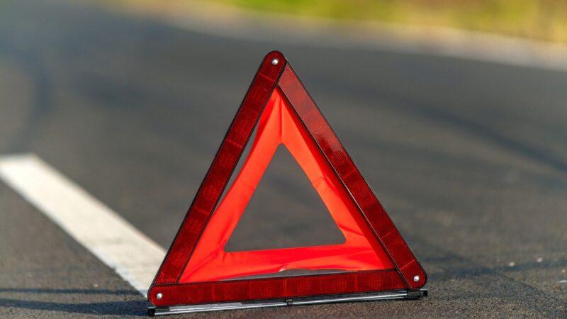В Тверской области на трассе столкнулись два автомобиля