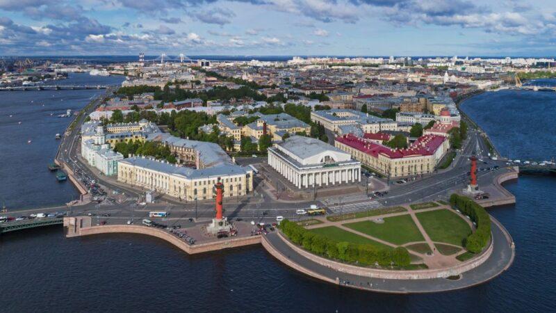 Жительница Твери стала жертвой мошенников при бронировании жилья в Санкт-Петербурге