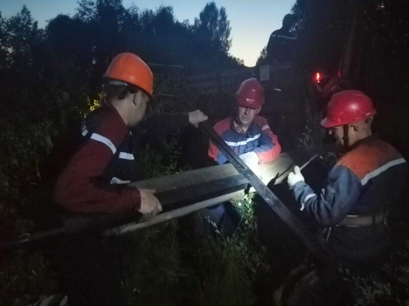 В Тверской области специалисты «Россети Центр» устраняют последствия грозового фронта