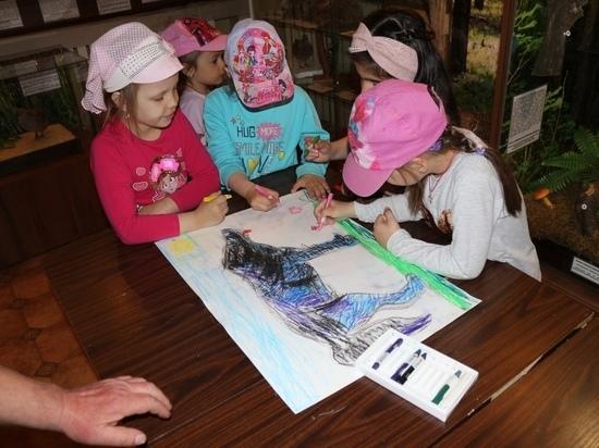 В музее Андреаполя рисовали причудливых зверей