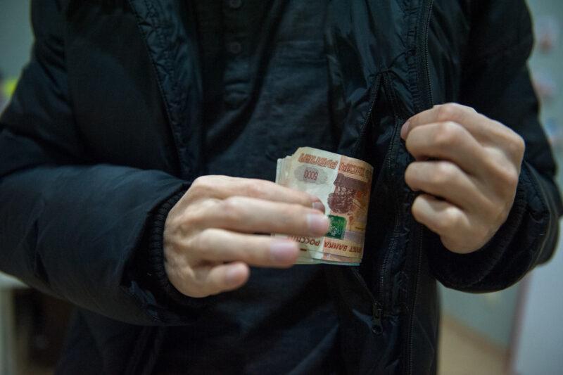 Житель Твери присвоил себе деньги соседей на оплату коммунальных услуг и работу лифтов