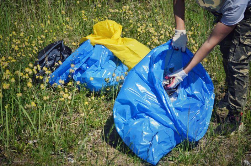 Убирать мусор за другими - не стыдно: экологическое движение в Твери и «Чистые игры»