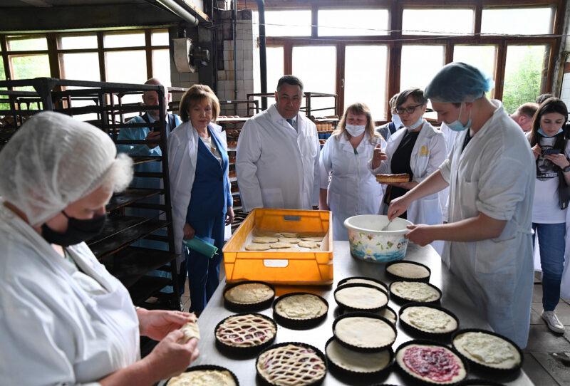 В запуске новой производственной линии Бежецкому хлебокомбинату помогут профильные министерства