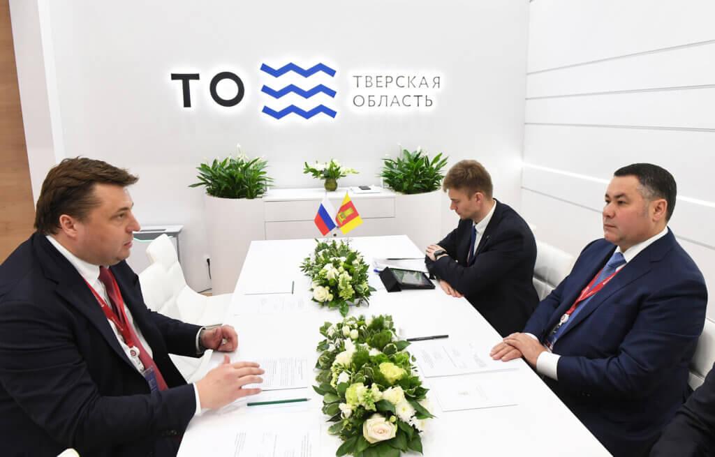 Губернатор Игорь Руденя и гендиректор Росагролизинга Павел Косов обсудили вопросы сотрудничества по развитию льноводства