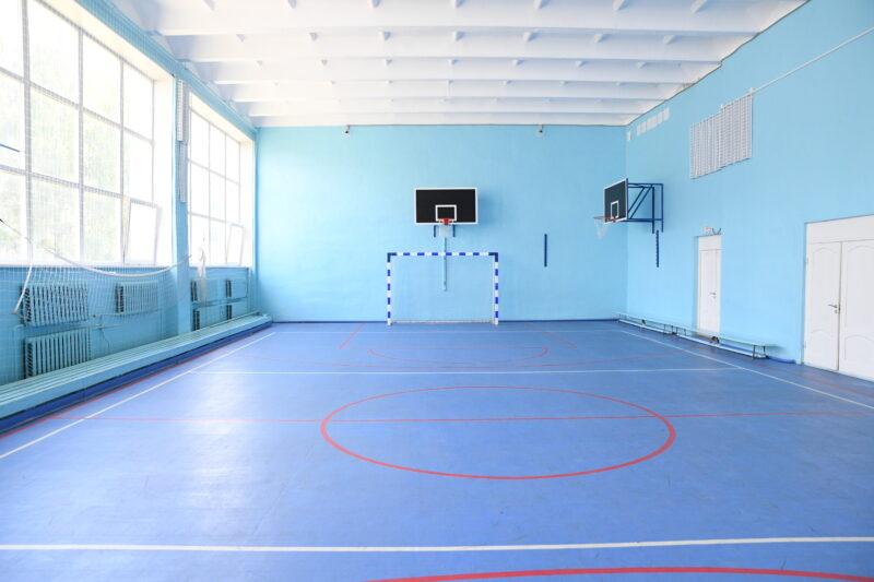 Губернатор Игорь Руденя поручил модернизировать стадион у Бежецкой средней школы №4