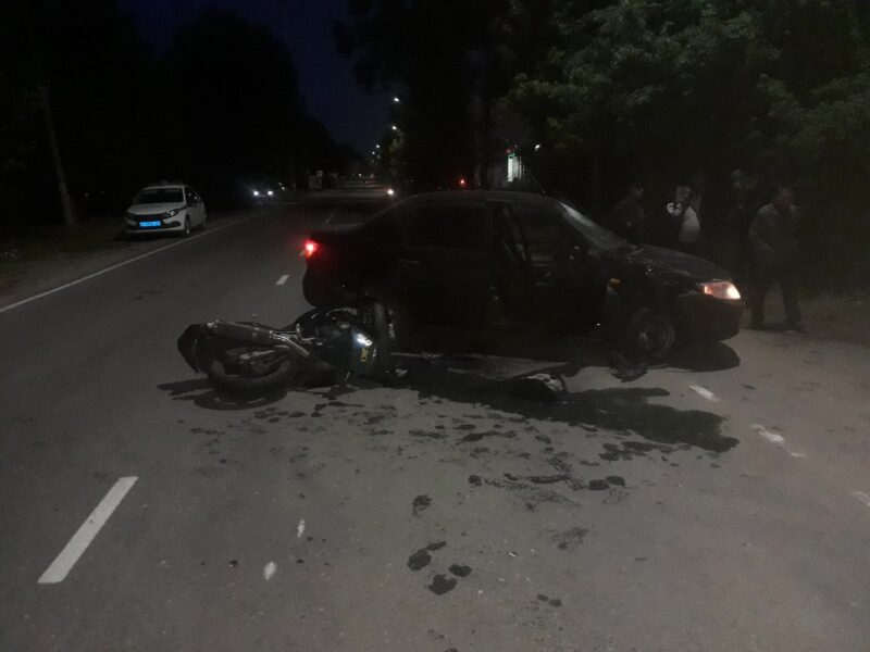 В Тверской области водитель не уступил дорогу мотоциклисту