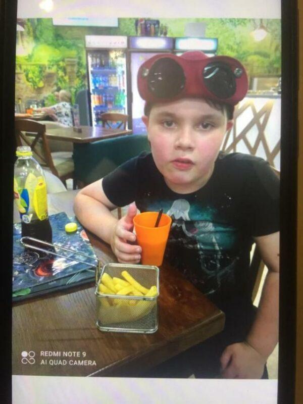 В Калининском районе 10-летний мальчик вышел из дачного дома и пропал