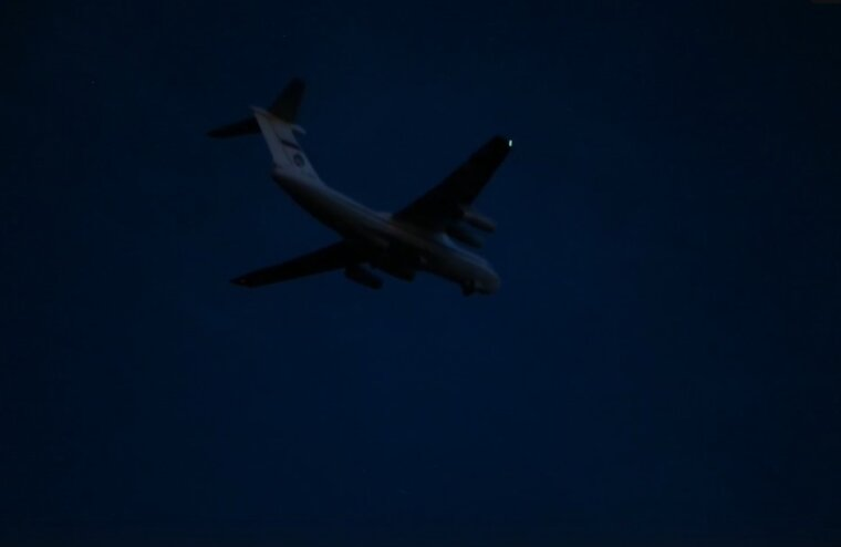 Тверские летчики под покровом ночи потренировались в пилотировании самолетов Ил-76