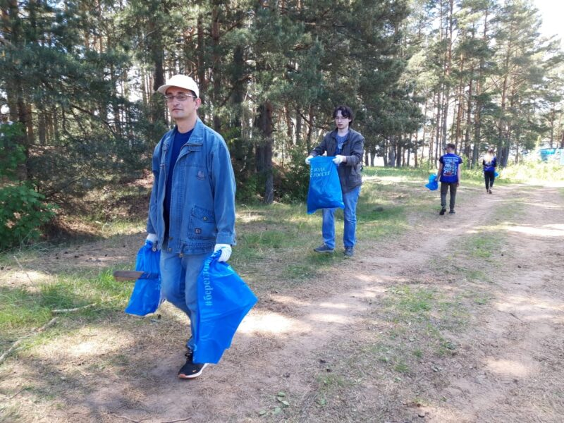 В заказнике «Троеручица» Тверской области прошёл субботник в День эколога
