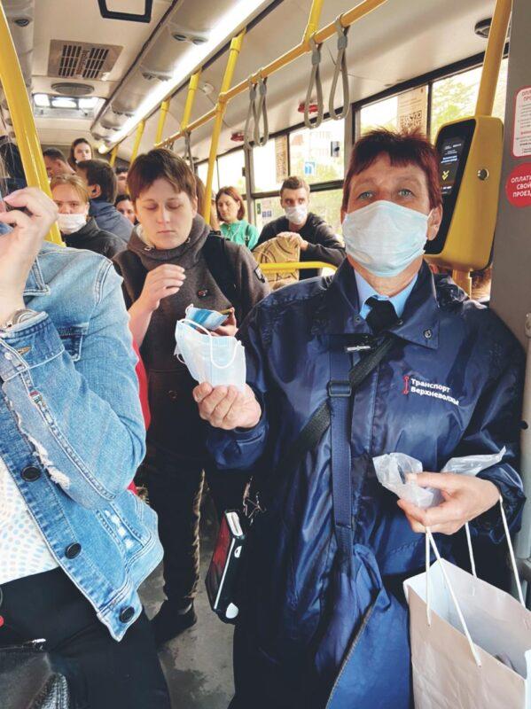 В общественном транспорте Твери за день раздадут порядка тысячи бесплатных масок
