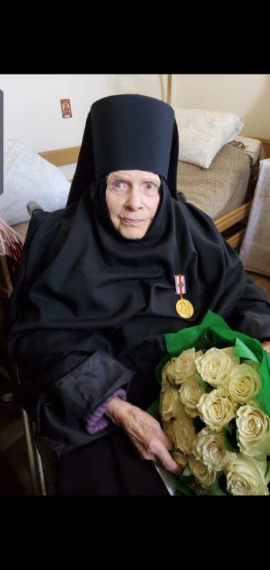 Губернатор поздравил со столетием ветерана Великой Отечественной войны Ангелину Антоновну Синяеву