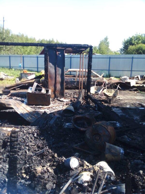 В Тверской области сгорел питомник для собак