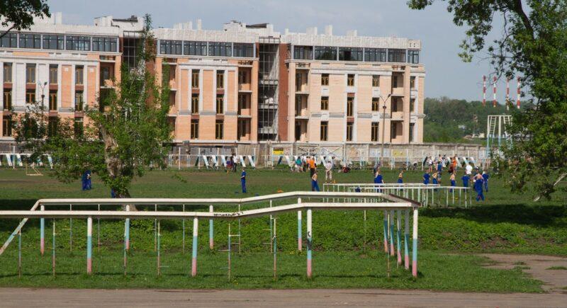 Стала известна судьба стадиона за территорией старого корпуса Тверского суворовского военного училища