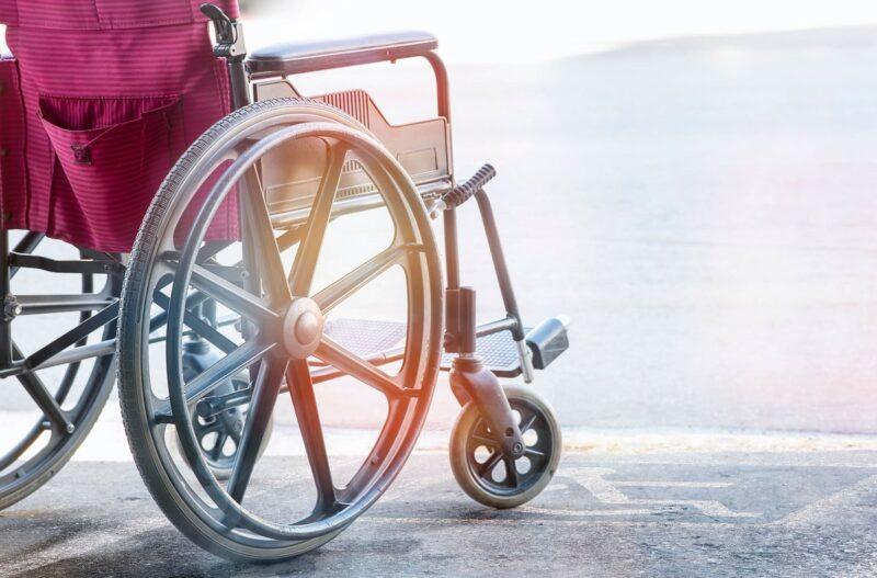 Мошенники обманули 58-летнюю жительницу Твери при продаже инвалидной коляски