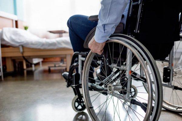 В Западнодвинском районе прокуратура добилась для инвалида квартиры