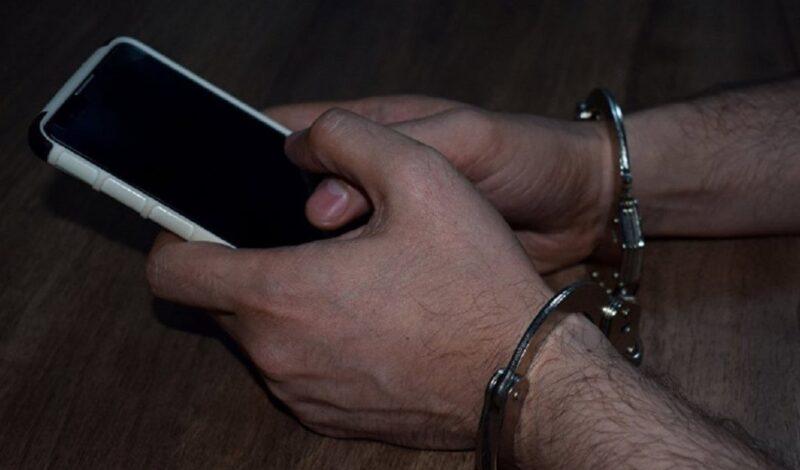 В Тверской области мужчина украл телефон с бетонной стойки