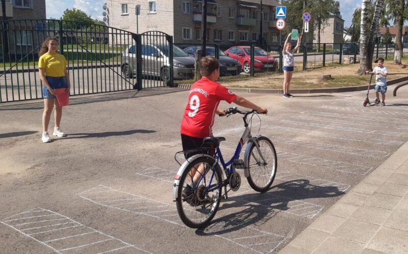 Конаковским ребятам рассказали о безопасной езде на велосипеде