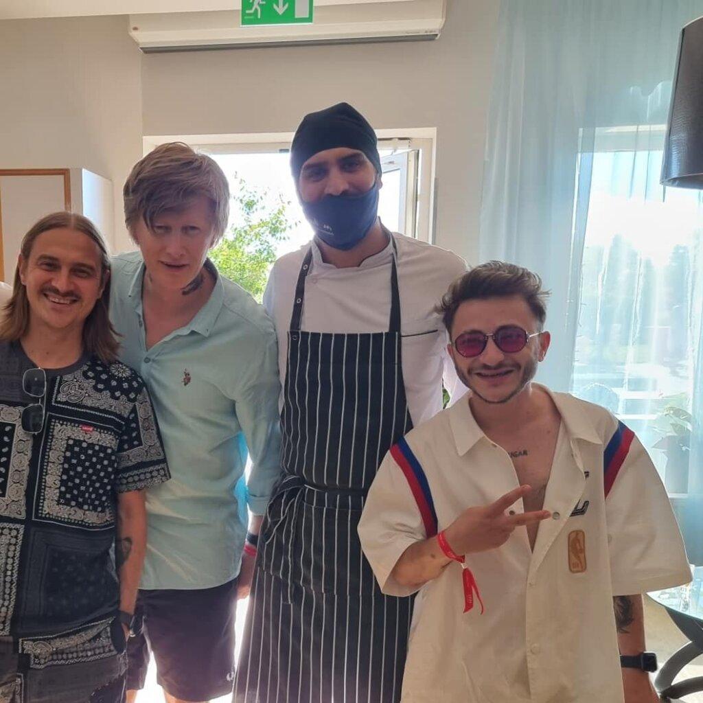 Рейв-группа Little Big провела выходные в Завидово Тверской области