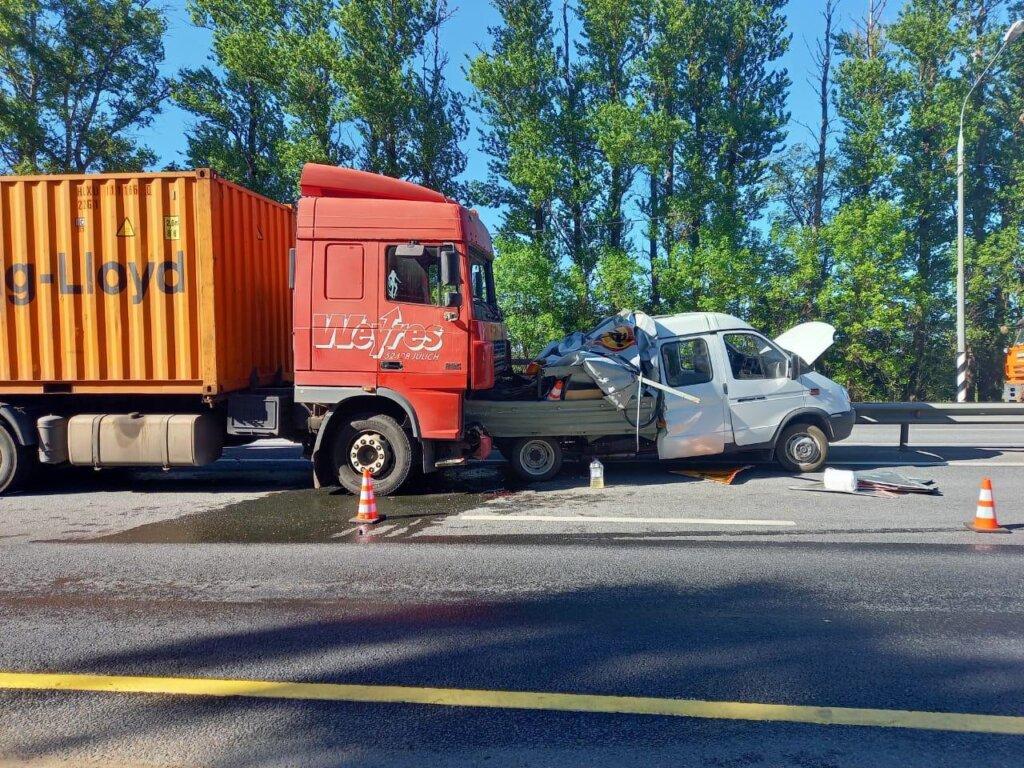 В Тверской области на трассе М-10 в ДТП погиб человек