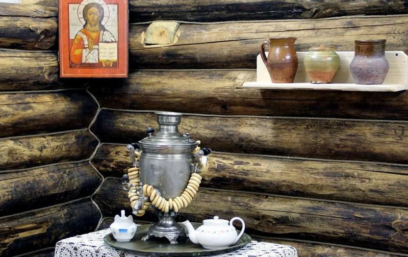 """В комплексе """"Медное"""" в Тверской области проходит выставка экспонатов традиционной культуры"""