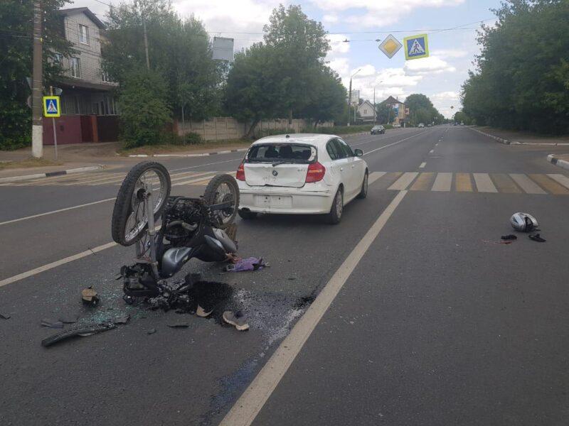 В Тверской области нетрезвый мотоциклист без прав попал в аварию