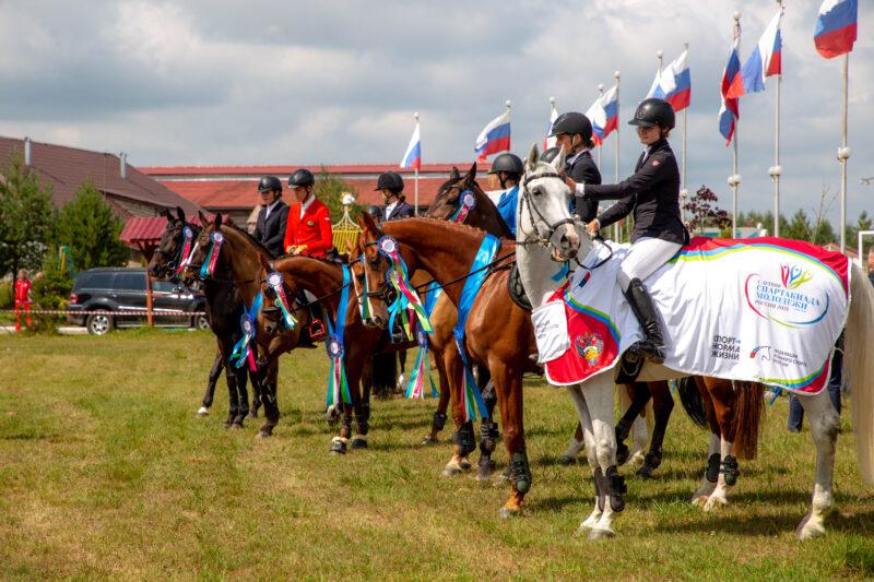 По коням: Спартакиада молодежи России по конному спорту вернулась в Тверскую область спустя 15 лет