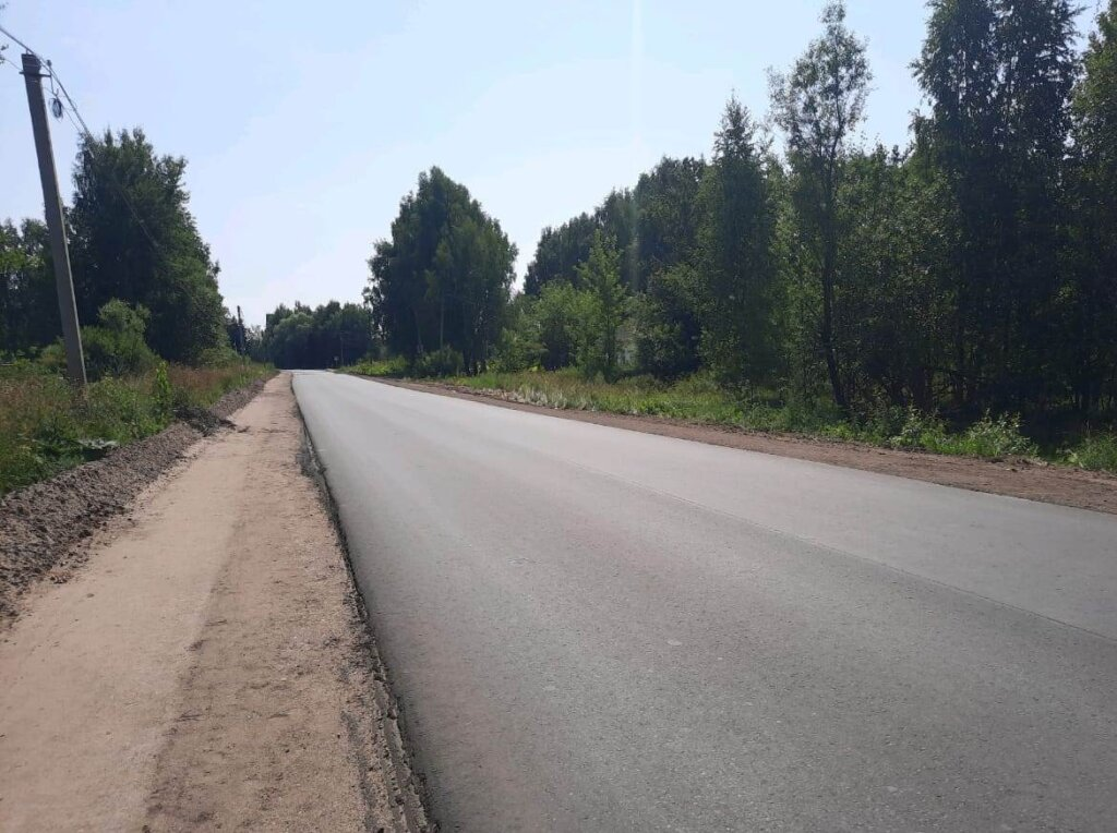 На дороге Дубна - Кимры – Горицы в Тверской области уложили новый асфальт